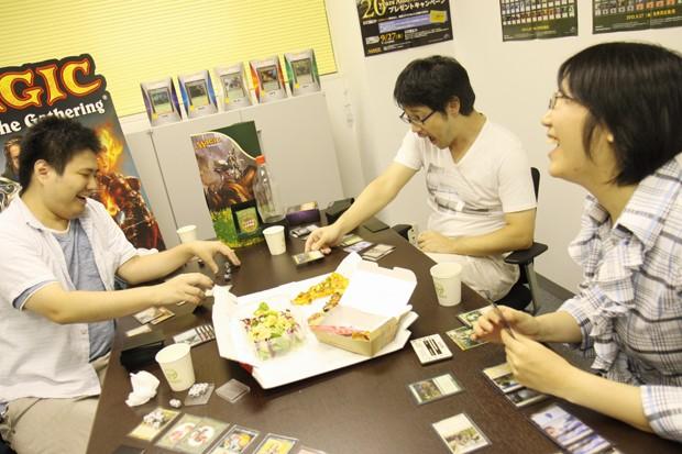 kochima_01_playing.jpg