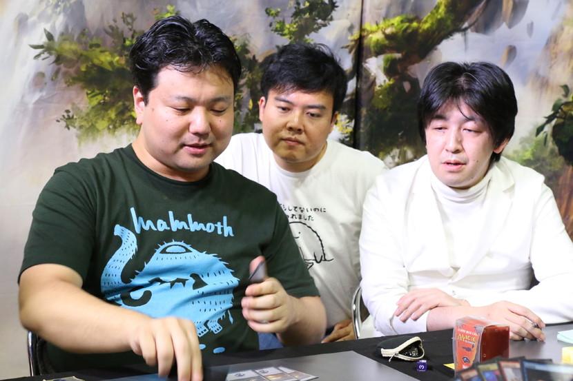 r4_team_ishii_sugaya_kozakai.jpg