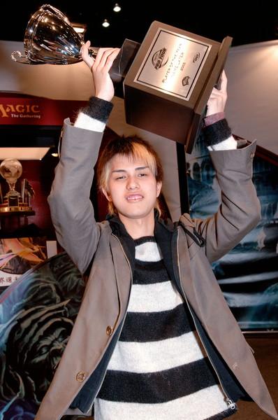 Kenji-Tsumura-2005-Player-of-the-Year.jpg