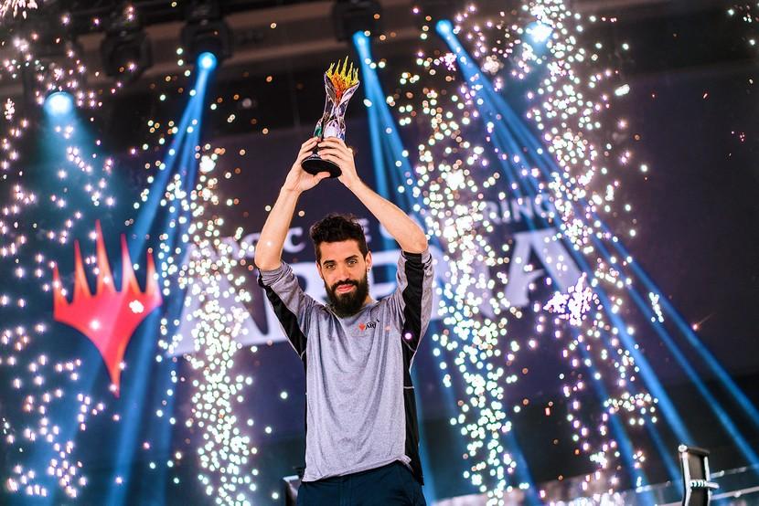 MC3-Matias-Leveratto-Trophy.jpg